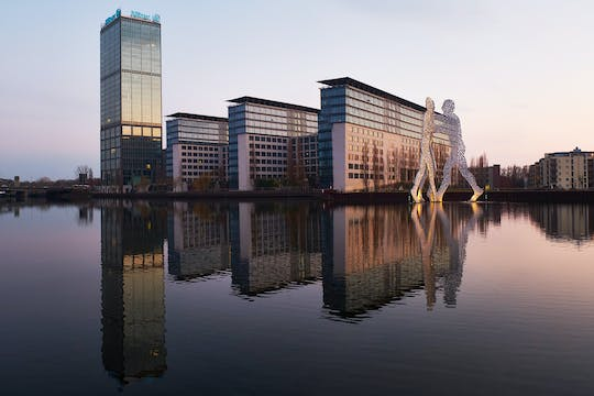 Explore impressive architecture along the River Spree in a private photography tour