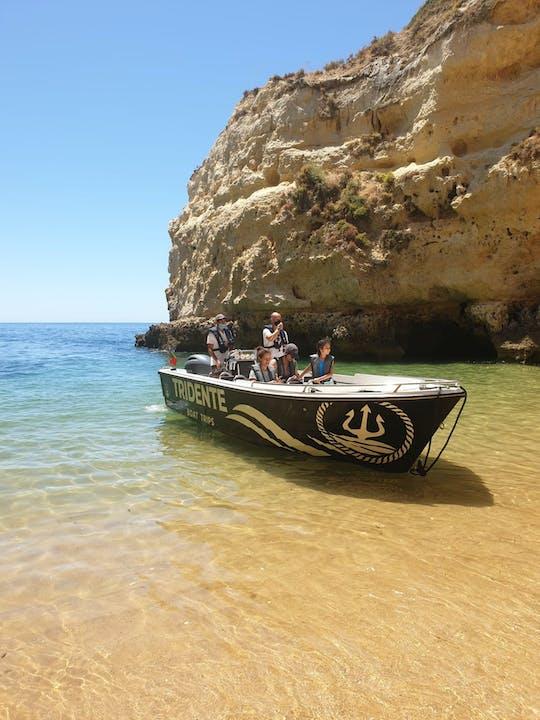 Passeio de barco na caverna Benagil essencial