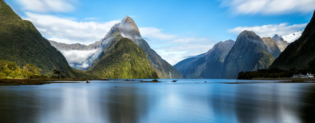 Milford Sound Small Group Tour & Cruise with Picnic Lunch from Te Anau