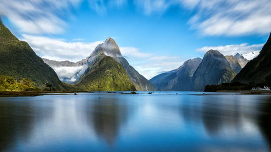 Milford Sound Small Group Tour & Cruise z piknikowym lunchem z Te Anau