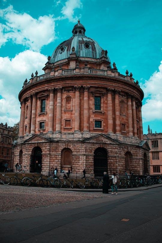 Podcast imersivo de Oxford: Descubra a universidade, a arquitetura e as tradições