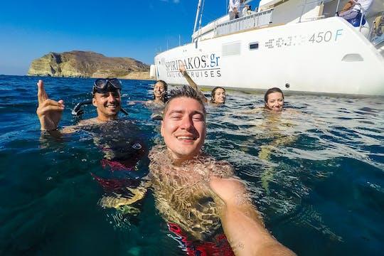 Croisière en catamaran au départ de Santorin