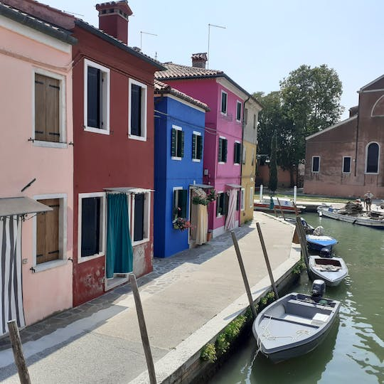 Private excursion to Murano and Burano on board of a typical motorboat