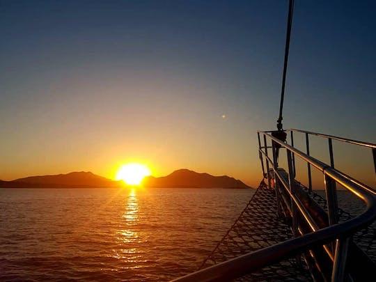 Kos Bootsfahrt bei Sonnenuntergang