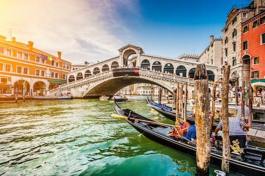 Venice express tour with Rialto Bridge, St. Mark Basilica and gondola ride