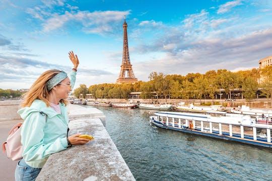 Crucero con cena y entradas para el segundo piso de la Torre Eiffel