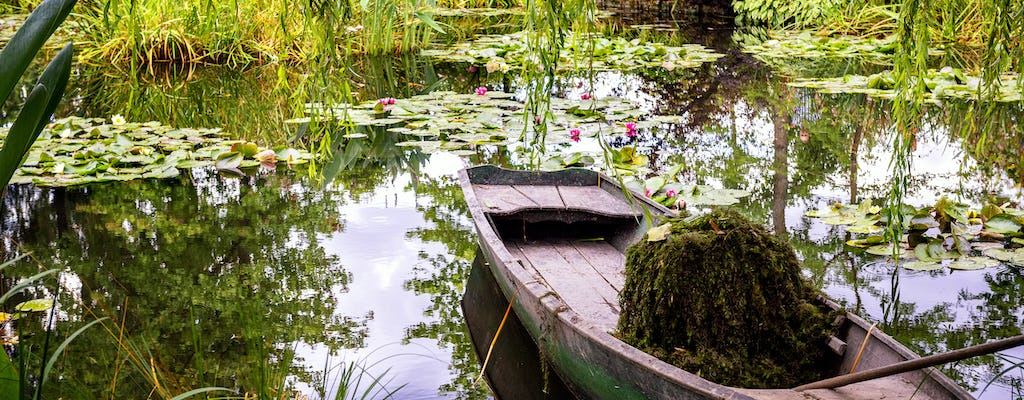 Excursion to Giverny Monet's Gardens and Versailles Palace with audioguide and lunch