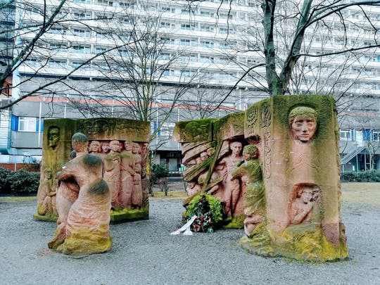 Jewish Berlin guided tour with a friendly historian