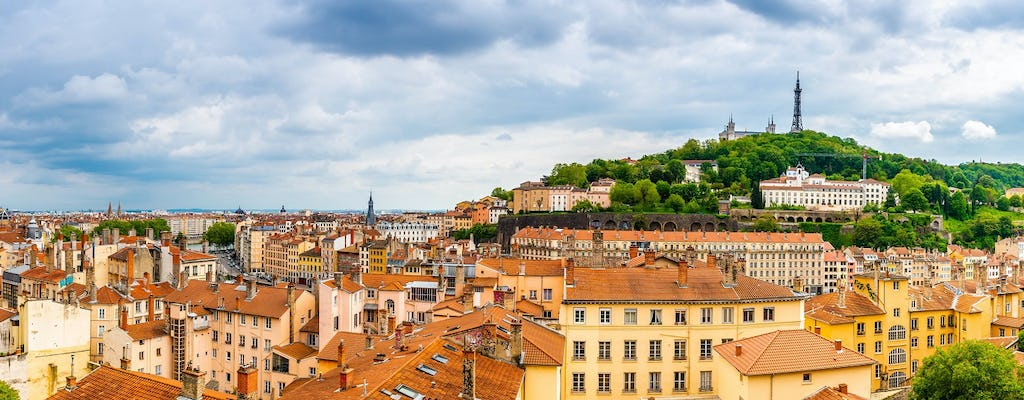 Panoramic and city tour with local lunch in Lyon