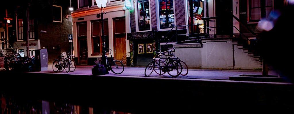 Descubra a vida noturna LGBT de Amsterdã com um local