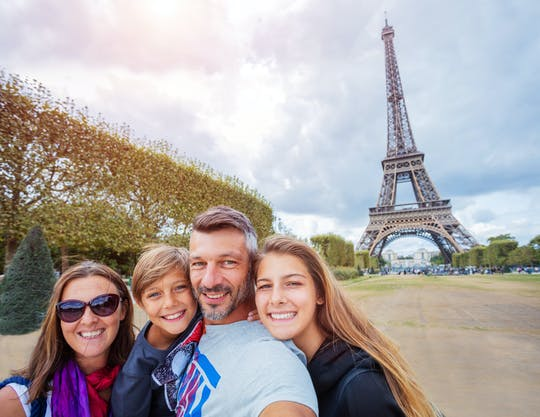 Eiffel Tower, Versailles and Arc de Triomphe combo tour