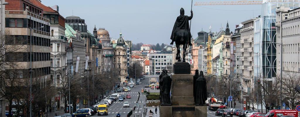 Visita a pie comunista de Praga