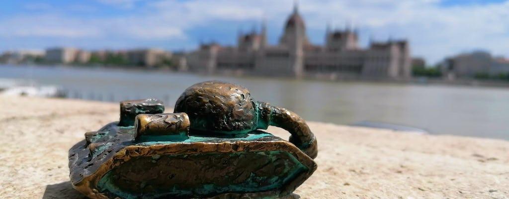 Самонаводящиеся тур на здании живописного Дуная