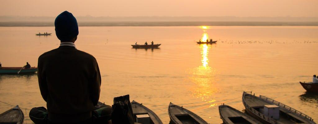 Yoga sur les ghats de Varanasi