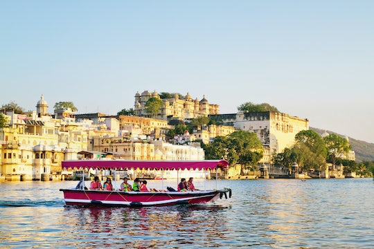 Boat ride on Lake Pichola in Udaipur
