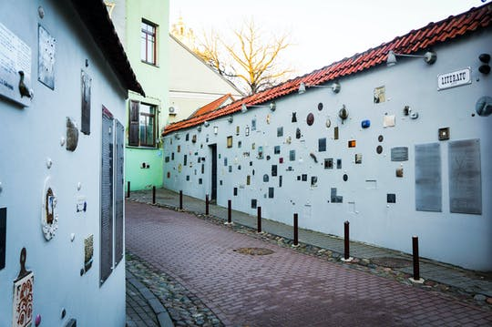 Passeggiata alla scoperta autoguidata a Vilnius - misteriosi miracoli