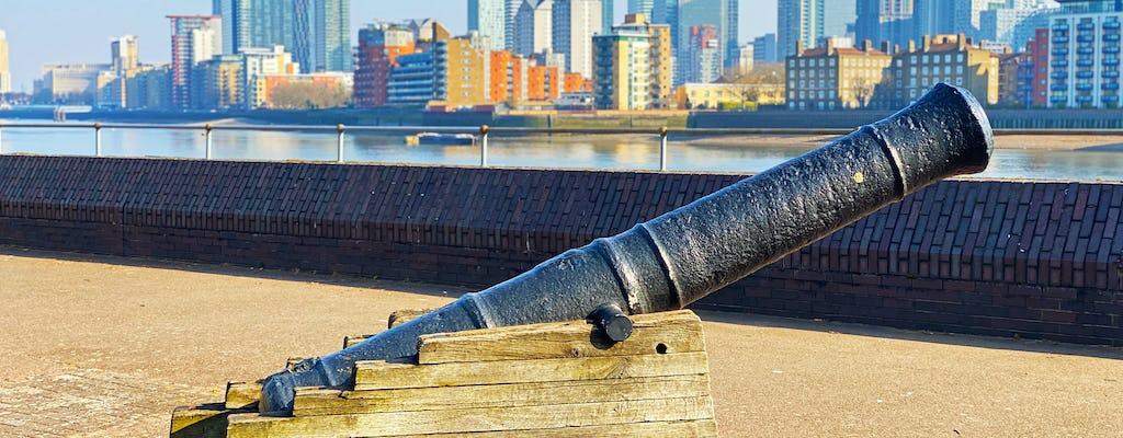Discovery Walk autoguidata nel Surrey Quays di Londra - puzzle in banchina e parco