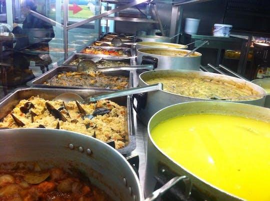 Tour de degustación de la extraña comida de Atenas.