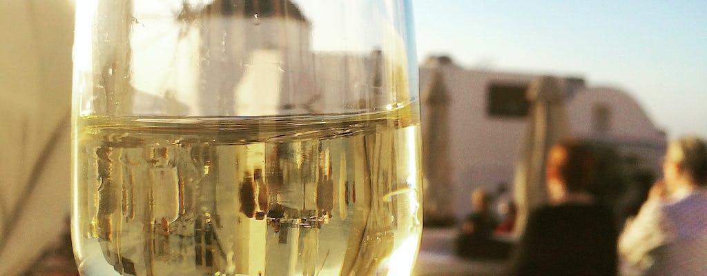 Wycieczka o zachodzie słońca na Santorini z degustacją wina