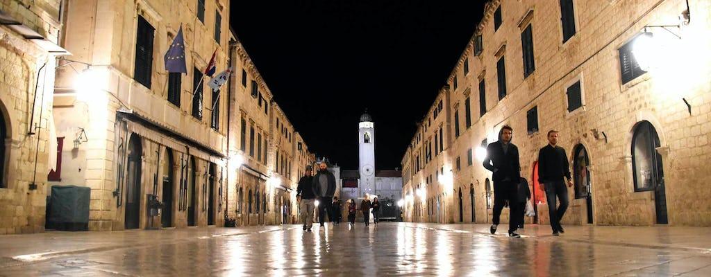 Tour en grupo a pie por Dubrovnik de noche