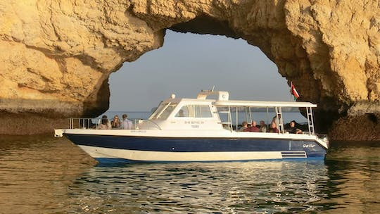 Muscat sunset cruise