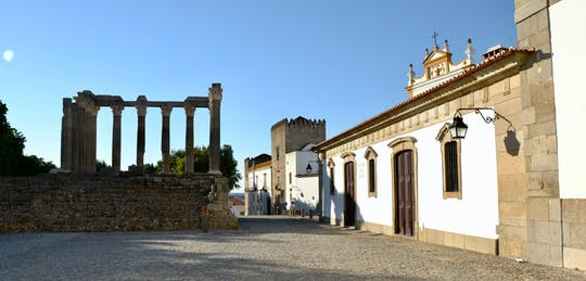 Self-guided Discovery Walk Évora's history, cobbled streets and lush gardens