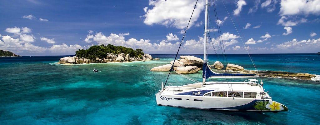 Cruzeiro ao pôr do sol La Digue, Coco e Felicité no catamarã Oplezir