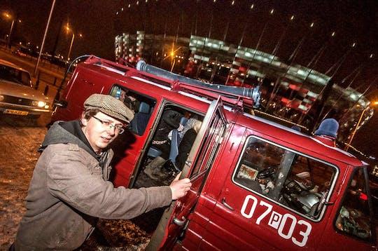 Tour noturno para grupos pequenos em Varsóvia em microônibus retrô