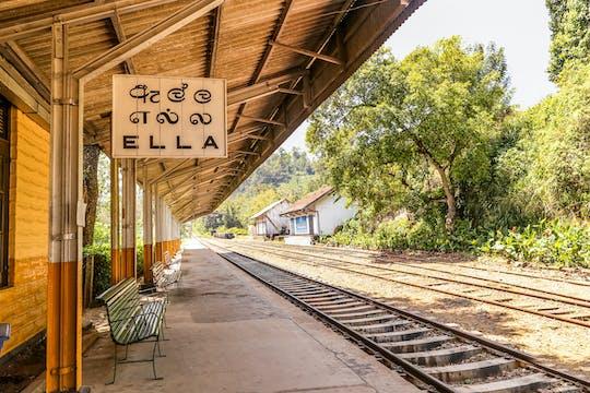 Viagem de Ella a Nuwara Eliya de trem e veículo particular