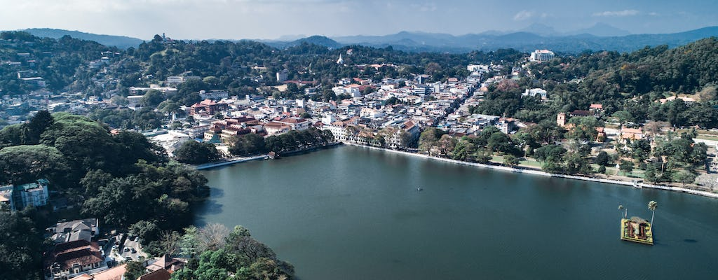 2-day Kandy tour from Ella