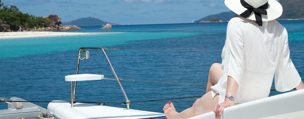 Cruzeiro Real das Seychelles no catamarã Odezir, incluindo visita à destilaria de rum