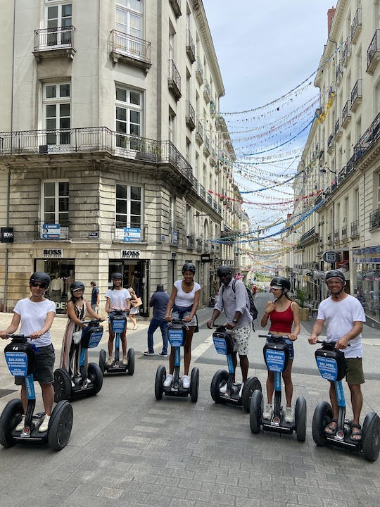 "Self-balancing scooter tour ""between the walls"" in Nantes"