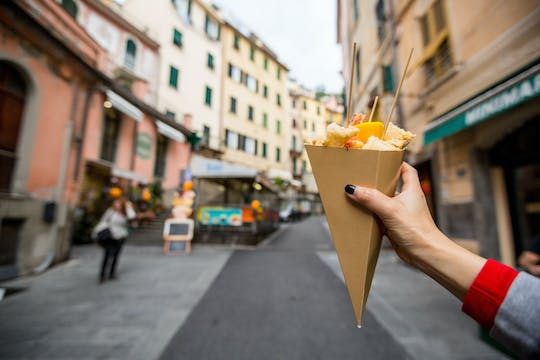 Private food and cultural walking tour of Bologna