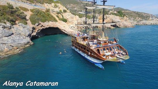 Viagem de um dia inteiro em catamarã saindo de Alanya