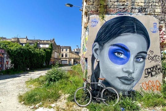 Visite guidée à vélo du street-art de Bordeaux en petit groupe