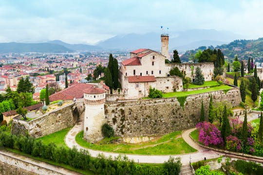 Privérondleiding door het kasteel van Brescia en wijnproeverij