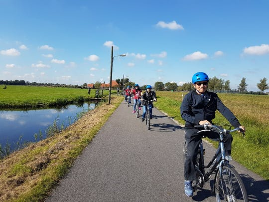 Walking or cycling tour in Katwoude-Volendam