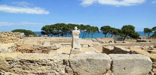 Costa Brava and Empuries with a panoramic boat ride with small-group