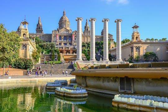 Barcelona Cable Car, Montjuic Castle visit and Magic Fountain show