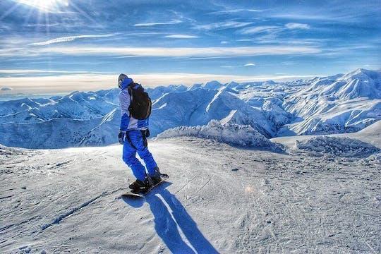 Tour privado para amantes da neve na estação de esqui Gudauri
