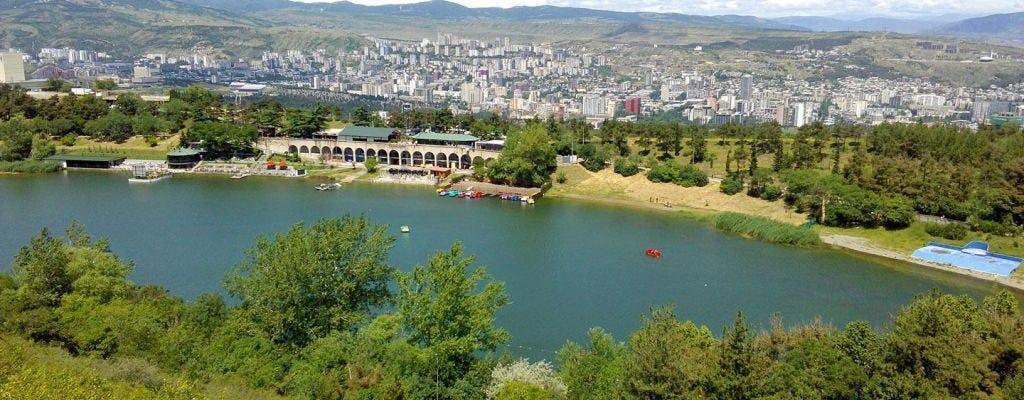 Tiflis private Stadtrundfahrt mit Besuch des Ehnografischen Museums und abendlichem Spaziergang um den Turtle Lake