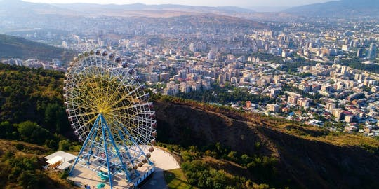 Prywatna wycieczka po mieście Tbilisi z wizytą w Panteonie Mtatsminda i przejażdżką tramwajem