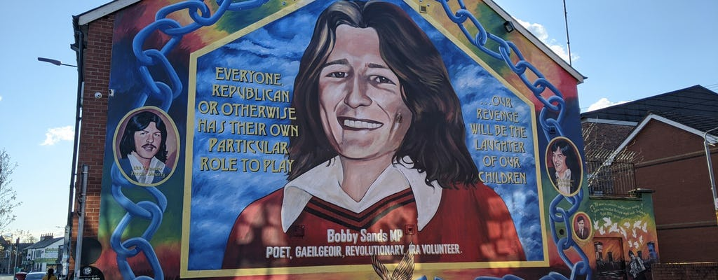 Eklektyczny Belfast i polityczne murale połączone w trasie