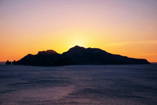 Passeio diurno e noturno por Capri