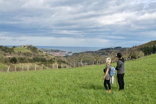 Ländlicher historischer Spaziergang durch das Baskenland mit einem Besuch im Apfelweinhaus