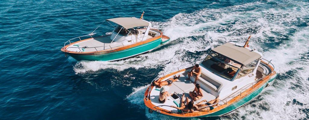 Sorrento coast and Capri boat excursion for young adults