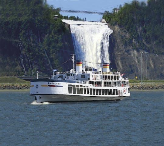Cruzeiro guiado no rio Saint Lawrence da cidade de Quebec
