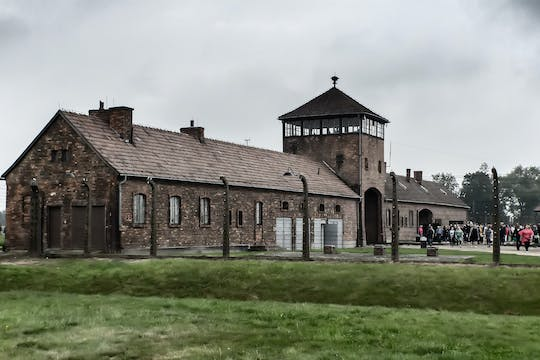 Auschwitz-Birkenau unguided tour with private transport