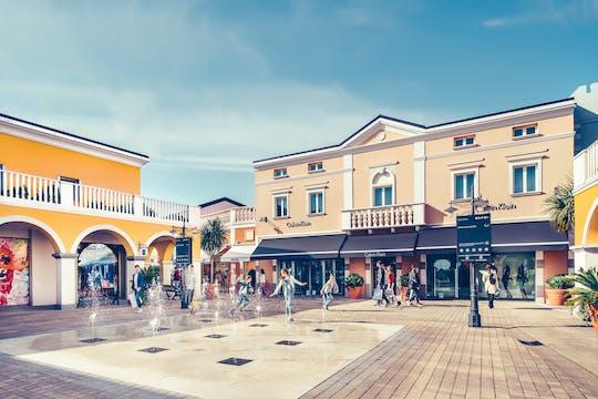 Palmanova Village com cartão de desconto, aperitivo ou café da manhã e vale-presente
