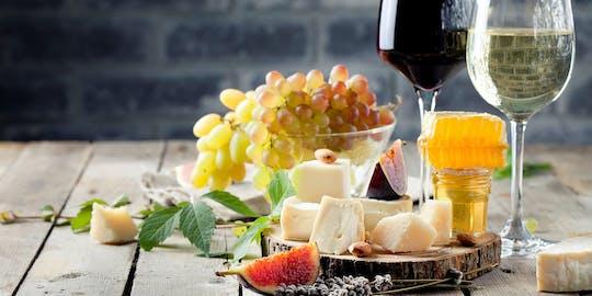 Degustação de vinhos e queijos em Roma